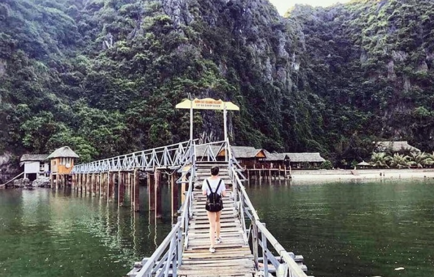 nam-cat-island-resort-a-beautiful-floating-1